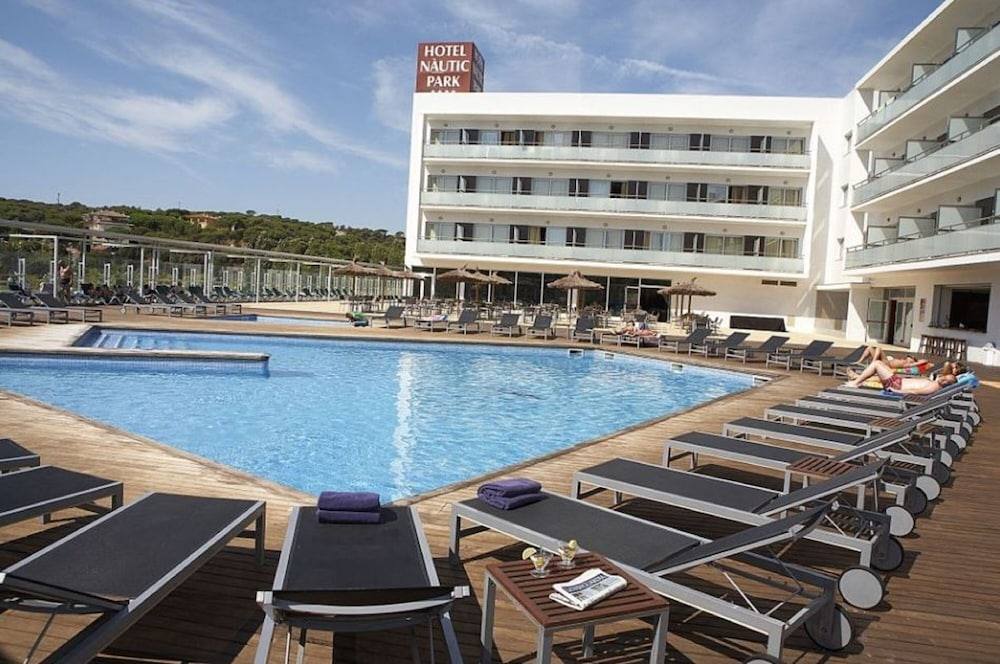 Outdoor Pool, Rv Hotels Nautic Park