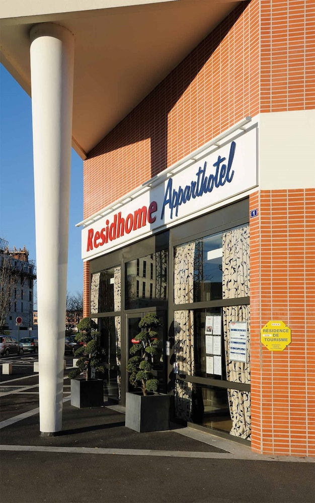 Residhome appart hotel paris evry in essonne hotel rates for Appart hotel paris 7
