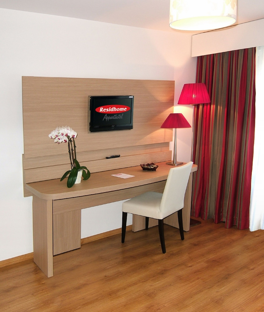 Residhome appart hotel paris evry in essonne hotel rates for Residhome appart hotel