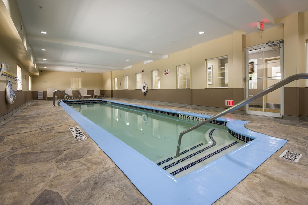Pool, Candlewood Suites Houston Medical Center