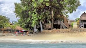 Beach nearby, beach bar, surfing, kayaking