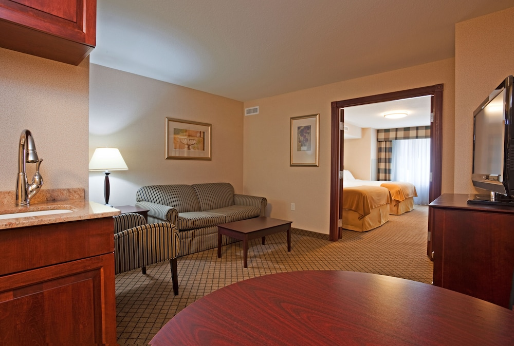 Holiday Inn Express  U0026 Suites Winona  2019 Room Prices  104