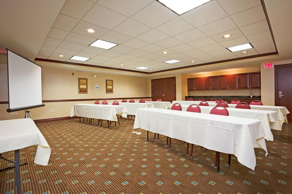 Meeting Facility, Holiday Inn Express & Suites Winona