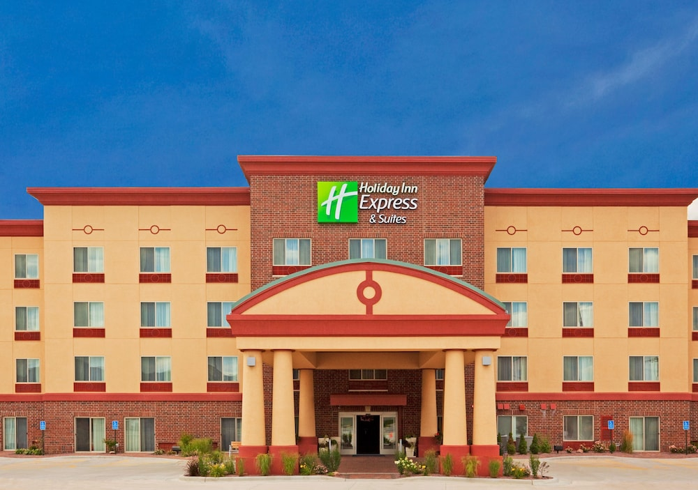 Exterior, Holiday Inn Express & Suites Winona