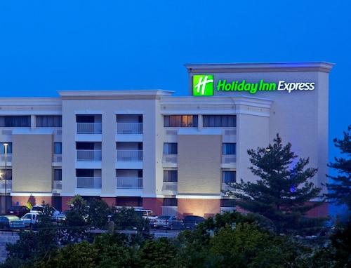 Great Place to stay Holiday Inn Express West Cincinnati near Cincinnati