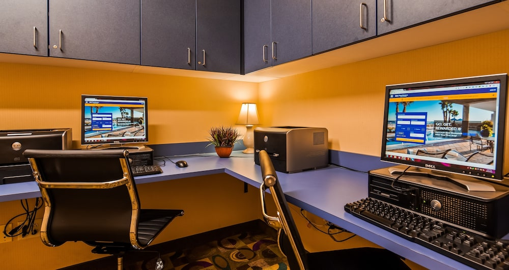 Business Center, Best Western Plus Victor Inn & Suites
