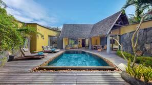 7 piscines extérieures