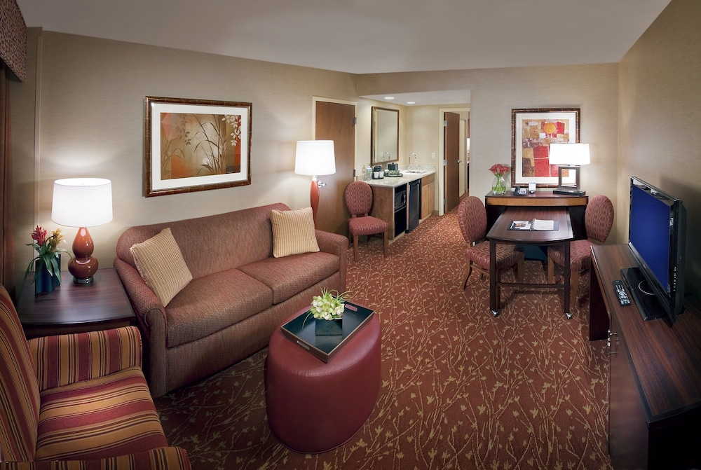 Living Area, Embassy Suites by Hilton Loveland Conference Center & Spa