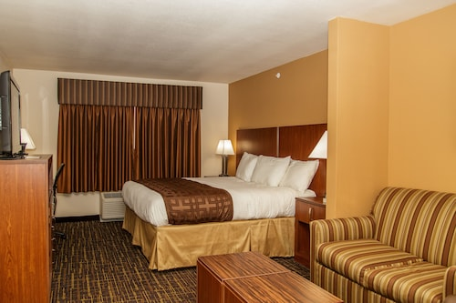 Richland Inn & Suites