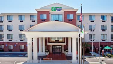 Holiday Inn Express & Suites Ocean Springs, an IHG Hotel