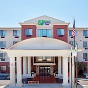 Holiday Inn Express & Suites Ocean Springs