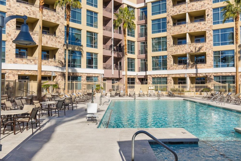 Staybridge Suites Las Vegas in Las Vegas | Hotel Rates & Reviews on Orbitz