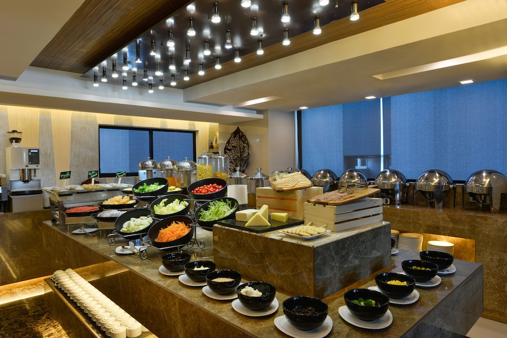 Breakfast buffet, Grand Swiss Hotel Sukhumvit 11