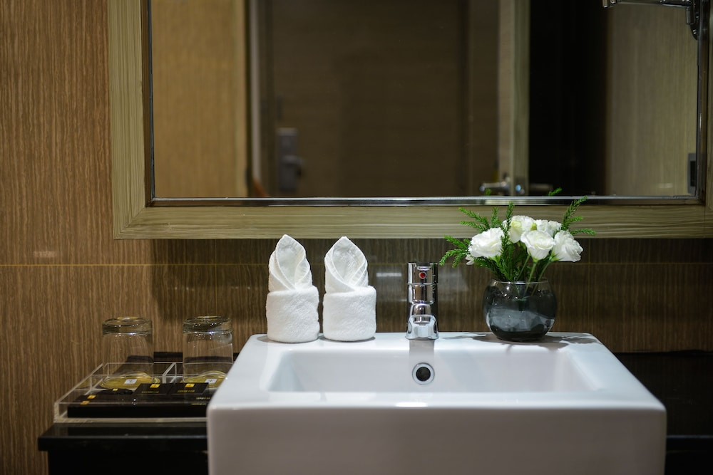 Bathroom Sink, Grand Swiss Hotel Sukhumvit 11