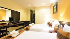 Select Comfort 床墊、保險箱、書桌、窗簾