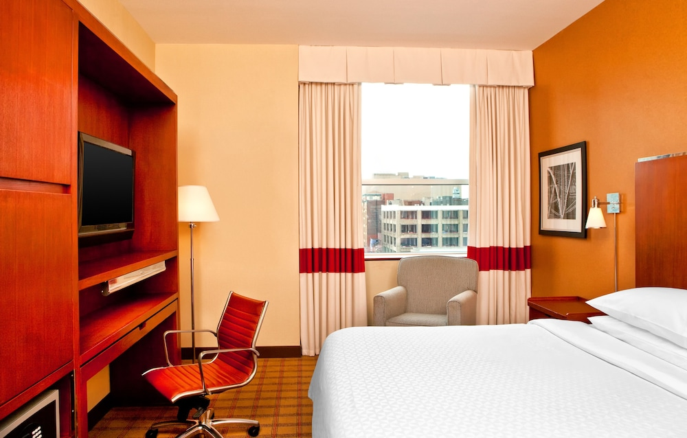 Room, Four Points by Sheraton Philadelphia City Center