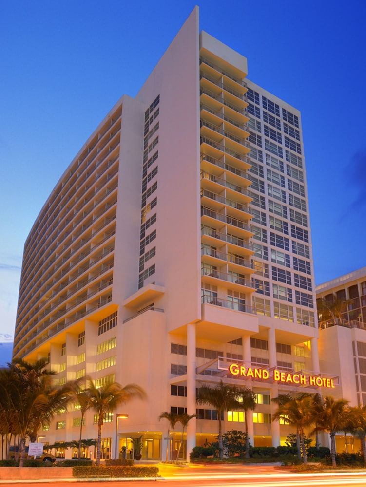 Grand beach hotel in mid beach hotel rates reviews on for Grand hotel