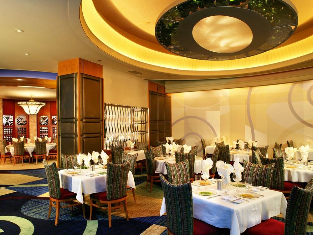 Seneca niagara casino restaurants
