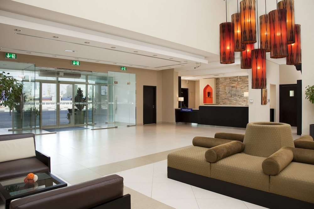 Lobby, Holiday Inn Express Dubai Jumeirah, an IHG Hotel