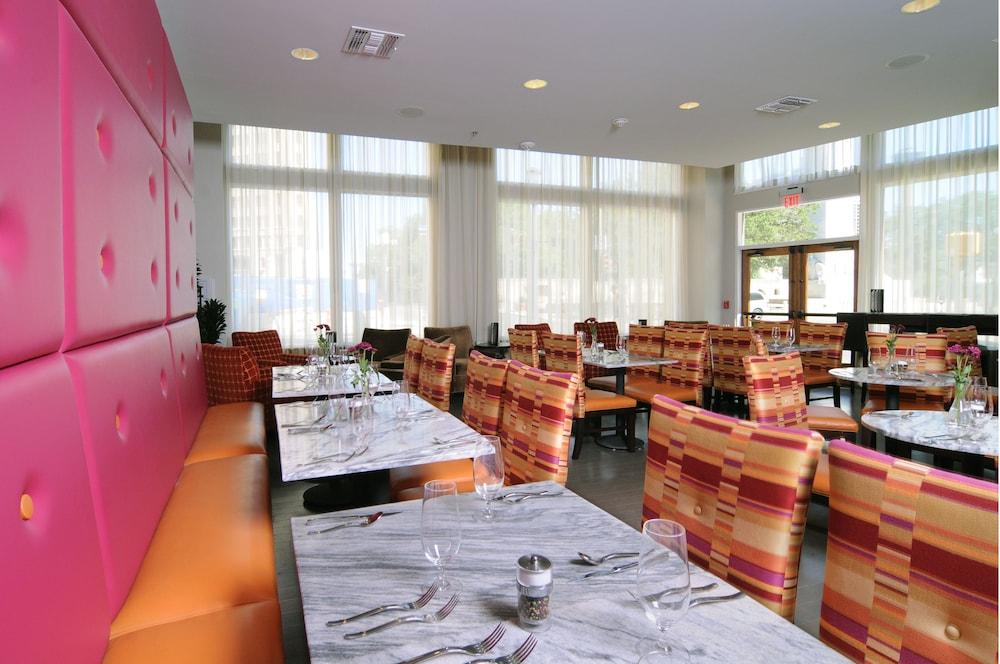 hotel gibbs downtown riverwalk san antonio 2019 room. Black Bedroom Furniture Sets. Home Design Ideas