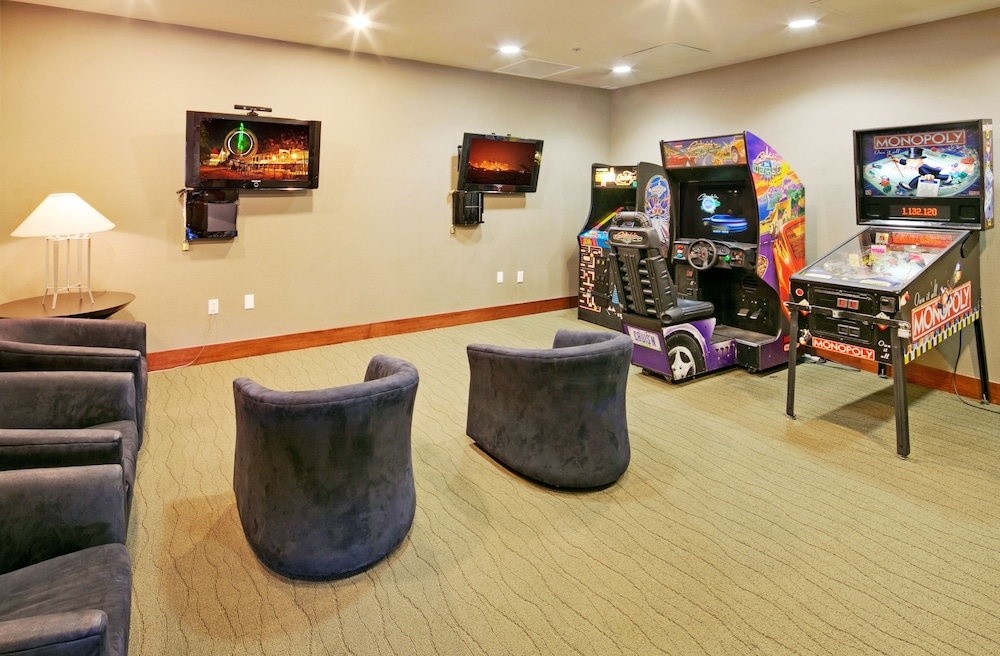 Game Room, The Village Lodge