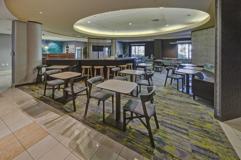 Lobby, SpringHill Suites by Marriott Naples