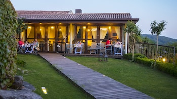 San Amaro, 6, 36968 Meaño, Spain.