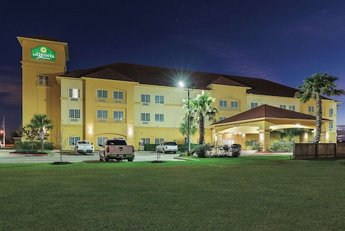 La Quinta Inn & Suites by Wyndham Deer Park