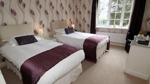 Premium bedding, desk, rollaway beds, free WiFi