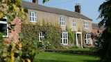 Hampton House Farm B&B - Malpas Hotels