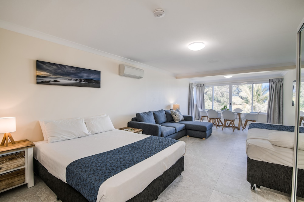 Room, Tangalooma Island Resort