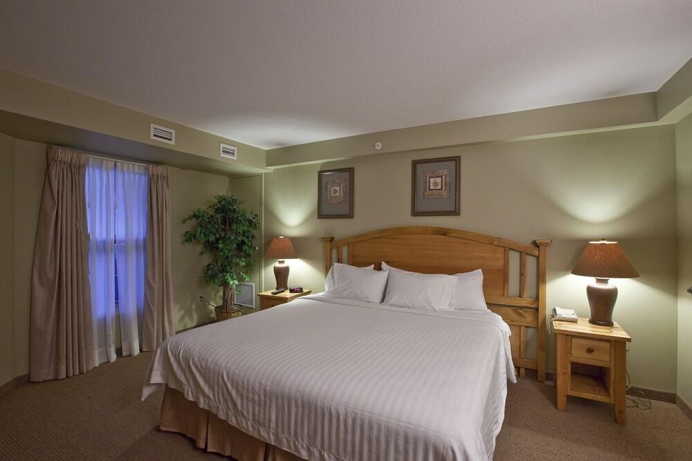 Polaris Lodge Hotel Room