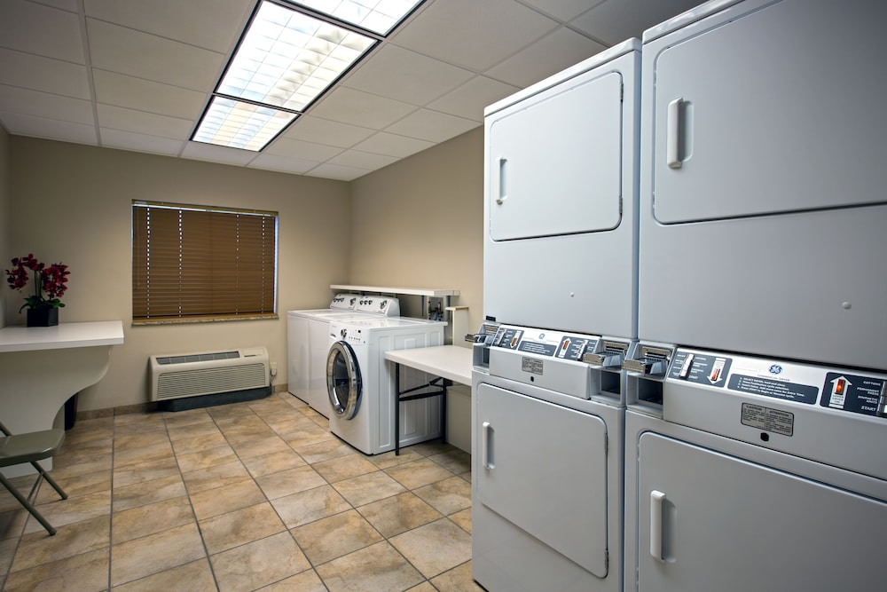 Laundry, Candlewood Suites Perrysburg, an IHG Hotel