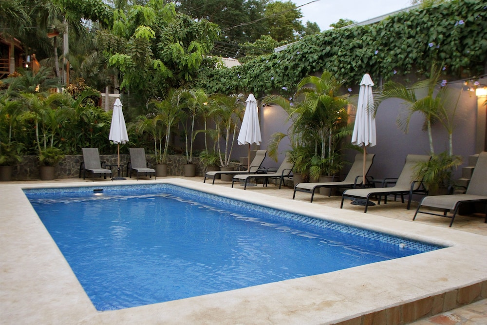 Outdoor Pool, Hotel Arco Iris