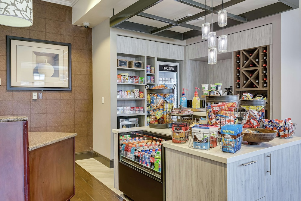 Snack Bar, Hilton Garden Inn Phoenix Airport North