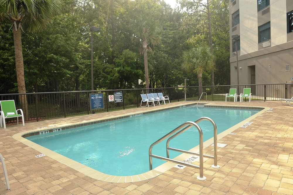 Outdoor Pool, Four Points by Sheraton Jacksonville Baymeadows