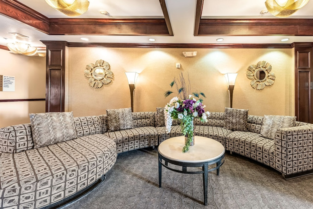 Lobby Sitting Area, Red Lion Inn & Suites Mineral Wells
