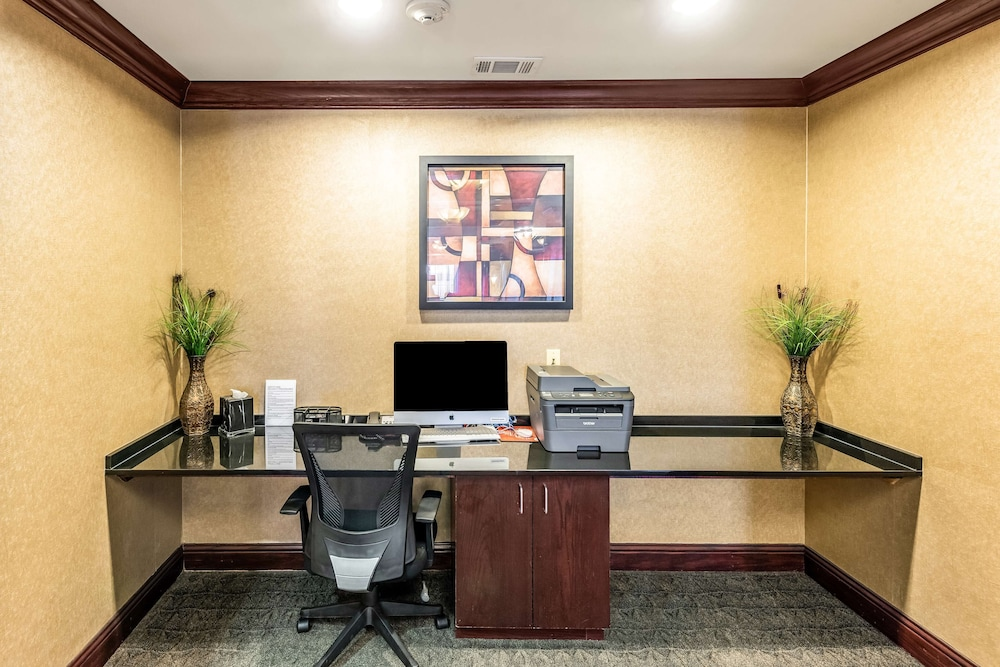 Business Center, Red Lion Inn & Suites Mineral Wells