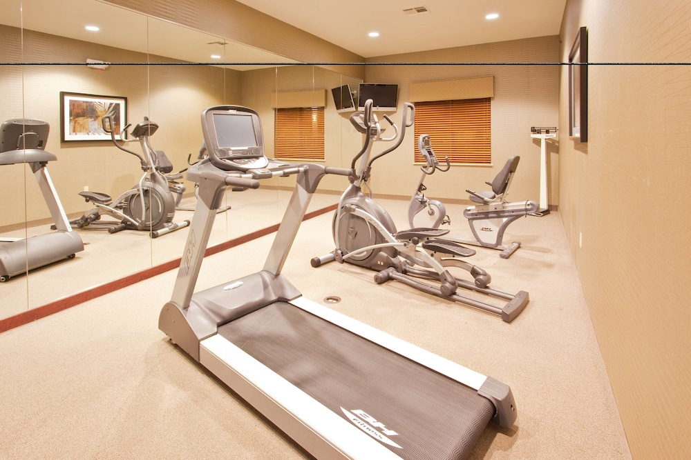Fitness Facility, Red Lion Inn & Suites Mineral Wells