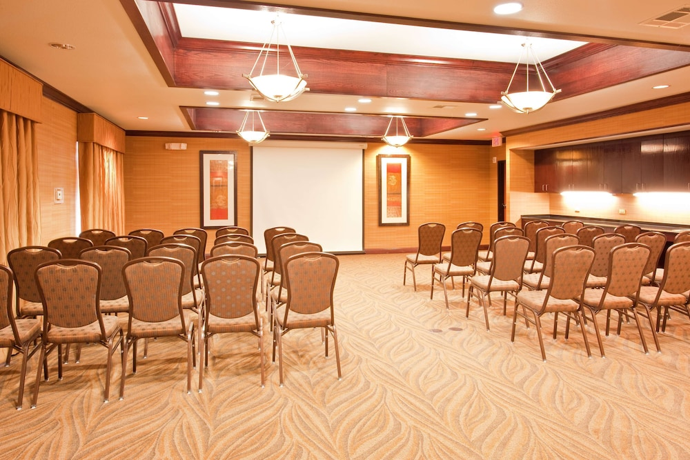 Meeting Facility, Red Lion Inn & Suites Mineral Wells
