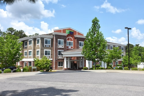 Holiday Inn Express Hotel & Suites Southern Pines, an IHG Hotel