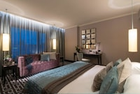 The Fitzwilliam Hotel Belfast (3 of 86)