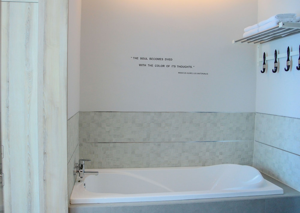Bathroom, Sugar Marina Resort - ART - Karon Beach