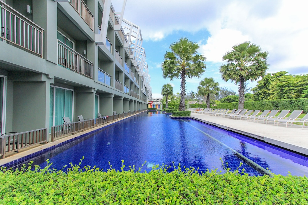 Outdoor Pool, Sugar Marina Resort - ART - Karon Beach