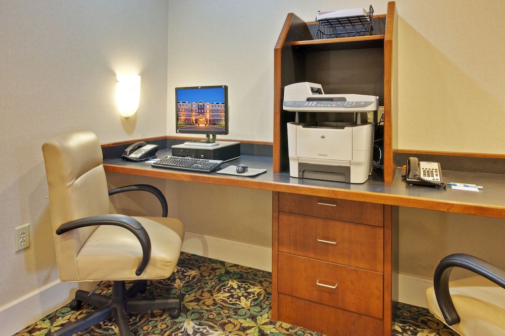 Business Center, Staybridge Suites Rochester University, an IHG Hotel