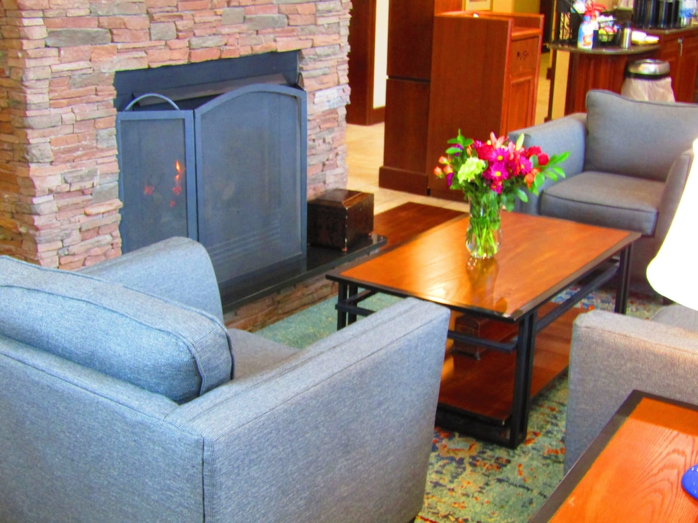 Lobby, Staybridge Suites Rochester University, an IHG Hotel
