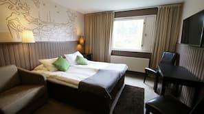 Tallelokero huoneessa, työpöytä, pimennysverhot, ilmainen Wi-Fi