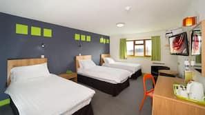 1 bedroom, Egyptian cotton sheets, premium bedding, desk
