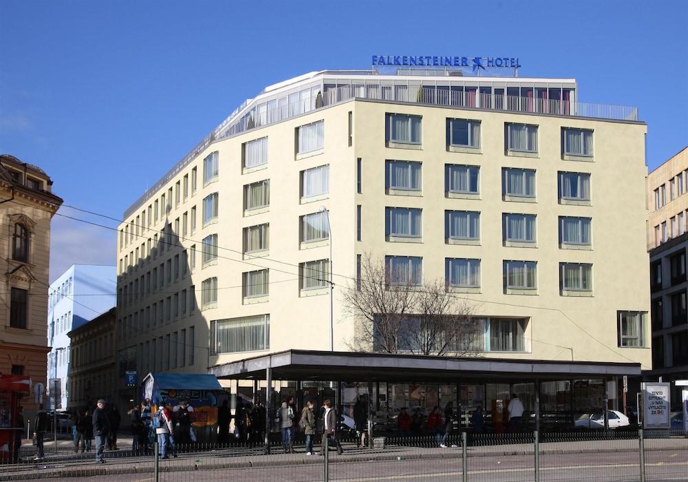 book falkensteiner hotel bratislava bratislava hotel deals. Black Bedroom Furniture Sets. Home Design Ideas