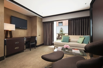 Junior Suite - Living Room
